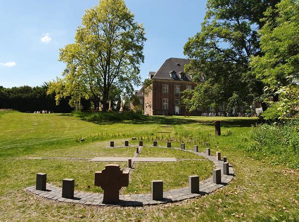 Sonnenuhr Kloster-Langwaden