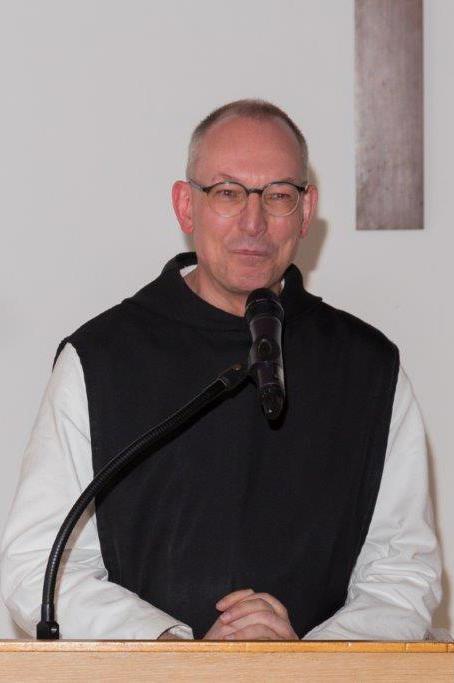 Pater Prior bei seiner Rede Zeit ist Leben